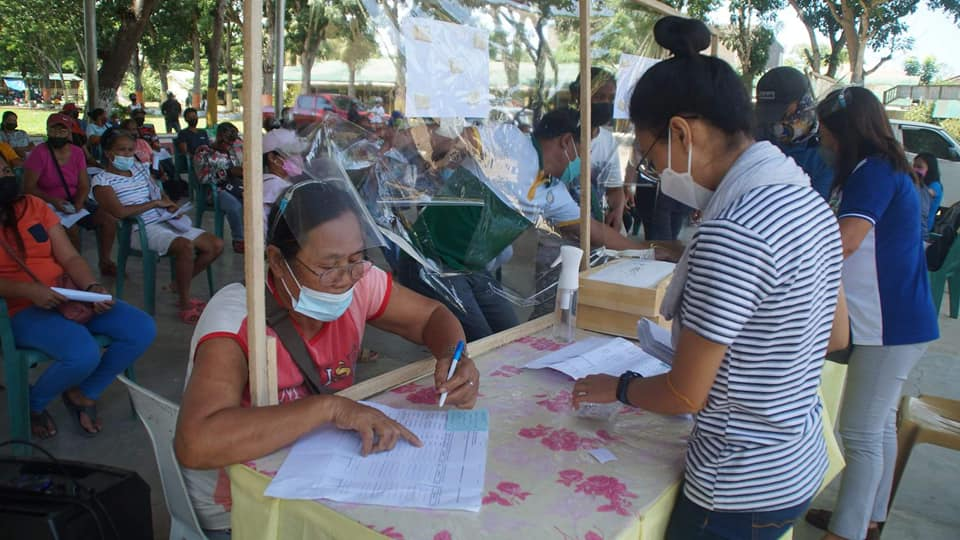 Aggie dept confers ASF indemnification to MisOr farmers